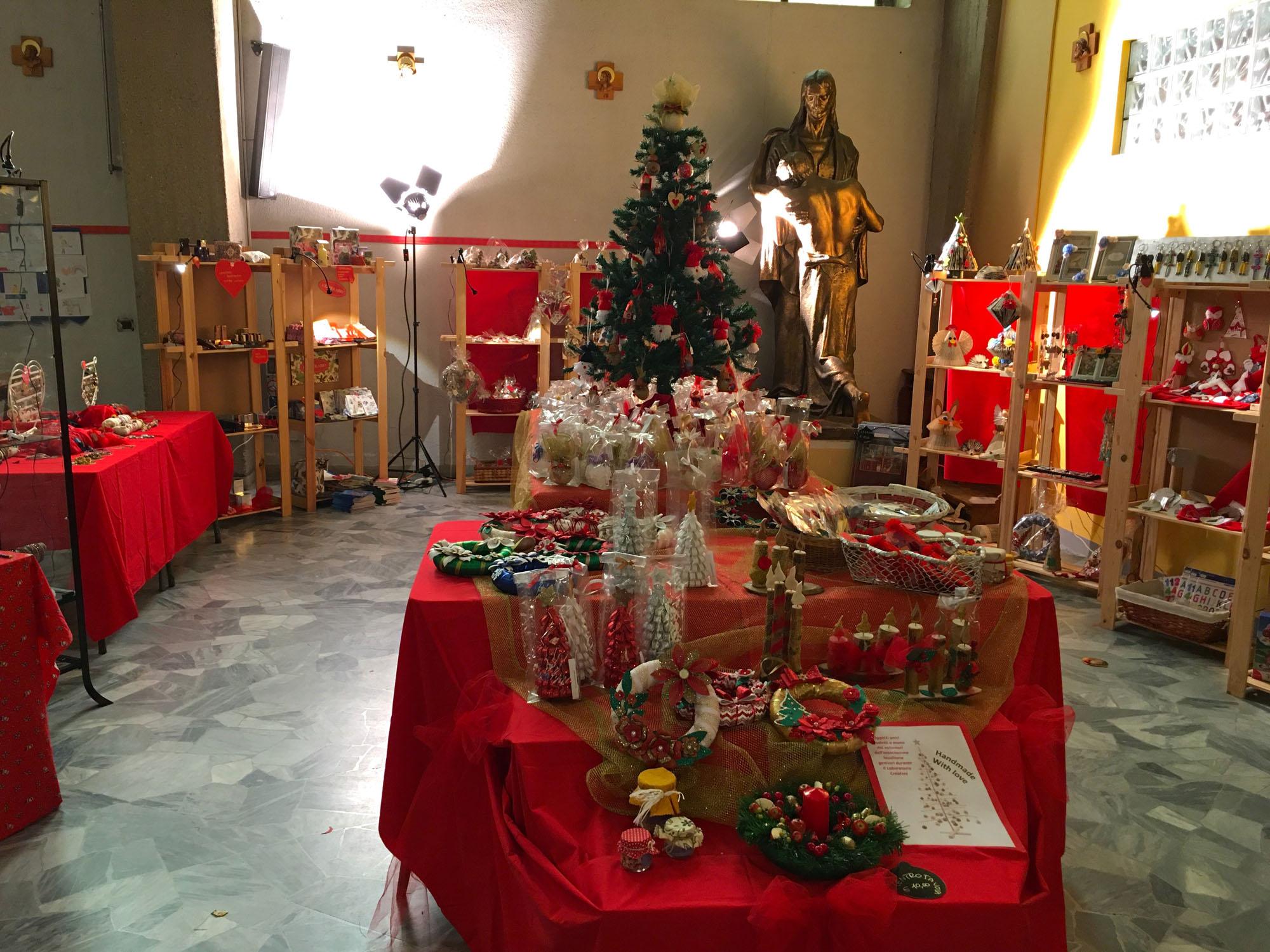 Istituto San Giuseppe La Salle Milano Bancarella di Natale 2019_3